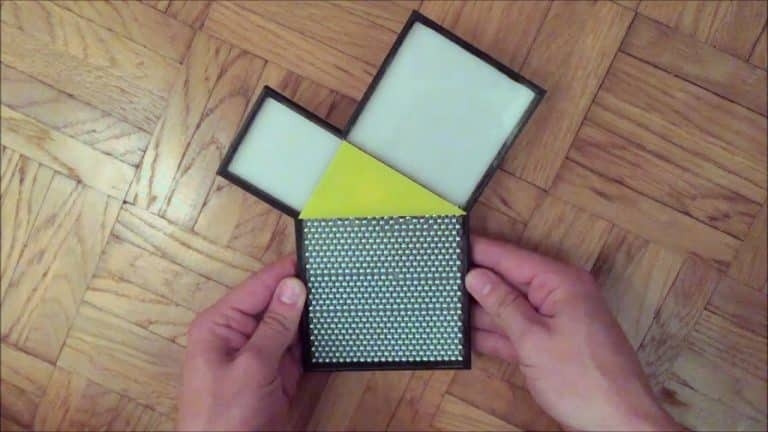 The Toy That Explains the Pythagorean Theorem | Video | Abakcus