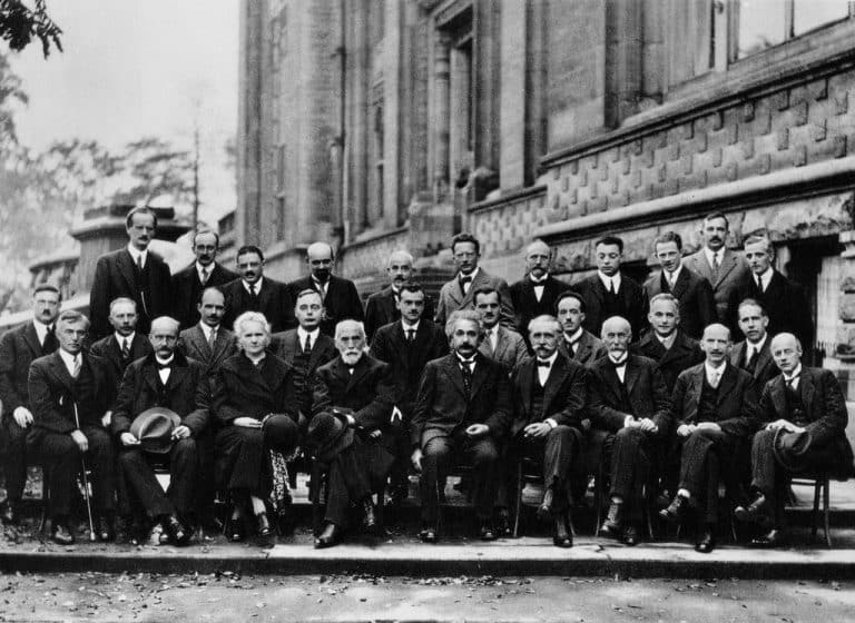 Why Are There Still So Few Women in Science? | Article | Abakcus